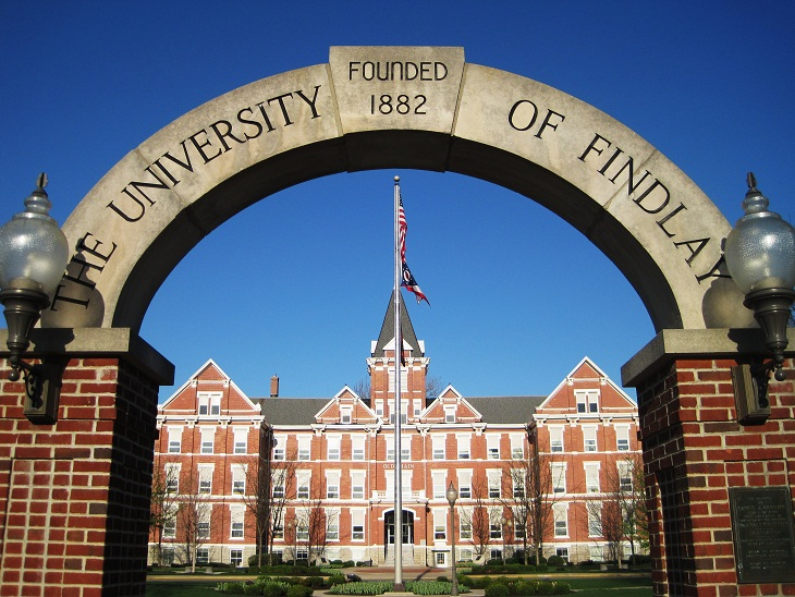 The_University_of_Findlay_by_AkaAngelfangs